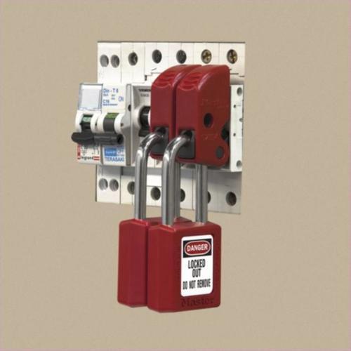 Master Lock S2394 Universal Miniature Circuit Breaker