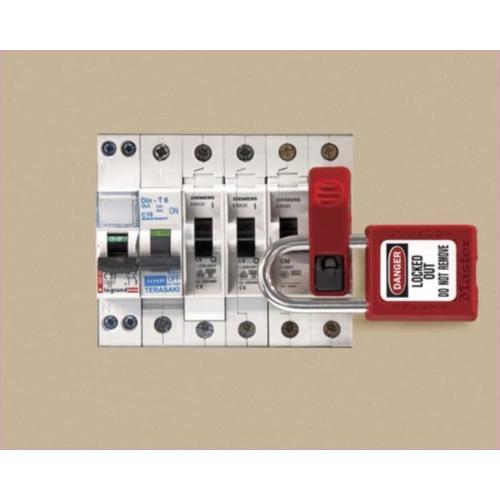 Lockout Gt Masterlock Miniature Circuit Breaker Lock Out S2394